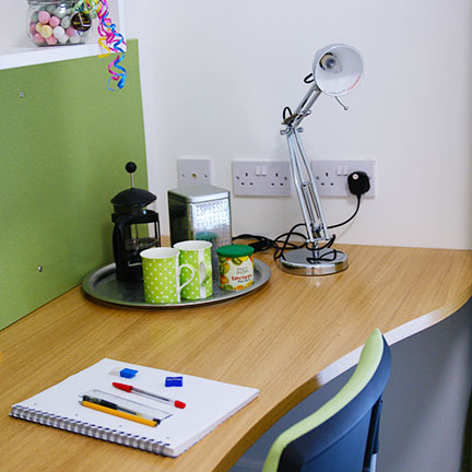 riverside-student-accommodation-desk